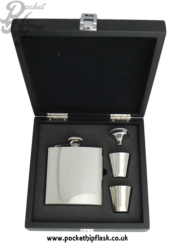 Example of Wooden Box Hip Flask Set