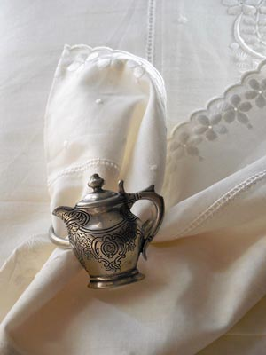 Pewter-teapot-napkin-ring