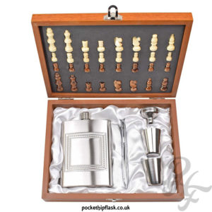 8oz-Hip-Flask-Chess-Gift-Set-above